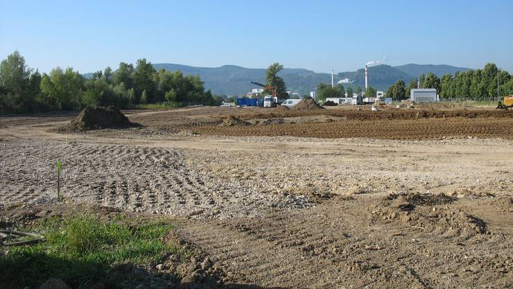 37 000 Kubikmeter Erde wurden ausgehoben. Die Hirschackergrube ist mittlerweile mit unbelastetem Material wieder aufgefüllt worden.