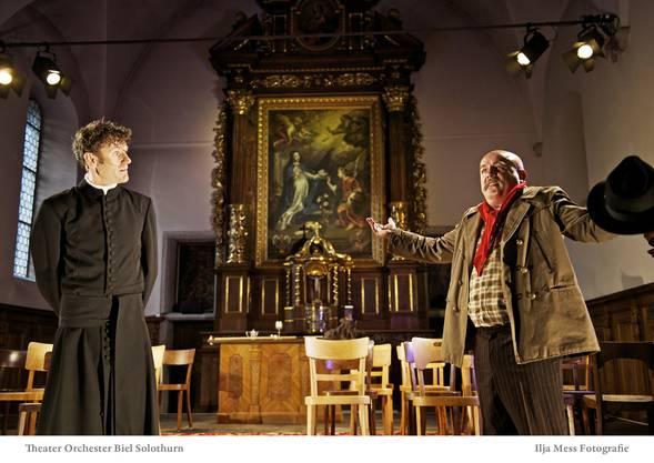 Wolfgang Lesky als Don Camillo und Günter Baumann als Peppone, Bürgermeister und Sektionssekretär der KP