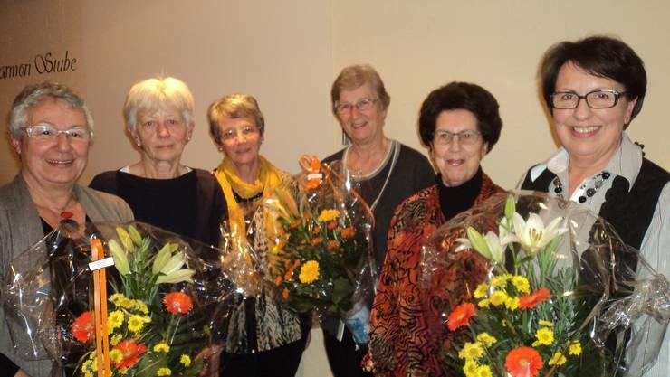 von links: Vreni Müller, Ursula Koch, Maria Federer, Silvia Mittaz, Berta Steiger und Helene Studer. Es fehlen: Ida Wertli, Paula Freitag und Alice Seiler.