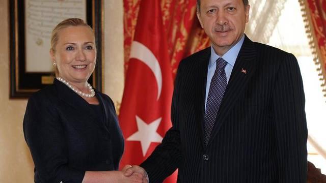 US-Aussenministerin Clinton mit dem türkischen Ministerpräsidenten Erdogan