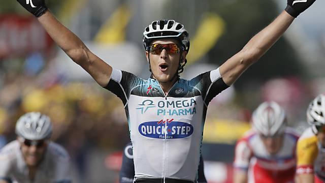 Matteo Trentin gewinnt die Sprintankunft in Delsberg