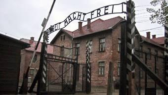 Eingangstor des Konzentrationslagers Auschwitz-Birkenau