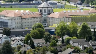 Unter anderem in der Justizvollzugsanstalt Lenzburg entstanden die nun in Bern ausgestellten Bilder. (Archivbild)