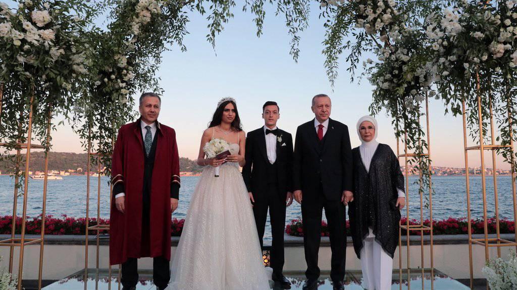 Özil heiratet und Erdogan ist Trauzeuge