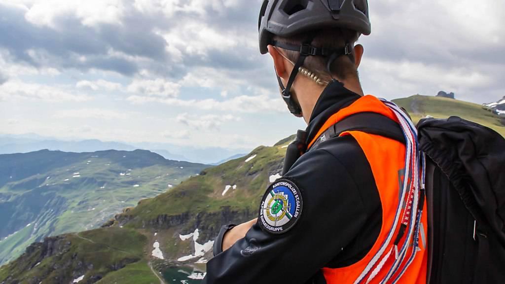 Ein 34-jähriger Amerikaner ist in den Churfirsten SG bei einem Sprung mit dem Wingsuit tödlich verunglückt. (Symbolbild)