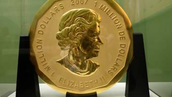 """Diese 100 Kilogramm schwere Goldmünze """"Big Maple Leaf"""" wurde im März aus dem Berliner Bode-Museum gestohlen. (Archiv)"""