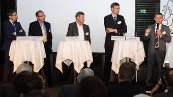 Thomas Heiniger, Daniel Bühler, Ernst Hafen, Christian Zahnd und Ernst Stocker diskutierten im Bio-Technopark. Foto: Mathias Marx