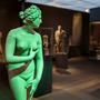 Ehrbare Bürgerinnen und Göttinnen durften in der klassischen Antike nur im privaten Bereich nackt dargestellt werden.