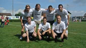 (oben, v.l.) Lorenz Honegger, Tom Hellat, Ralph Stamm, Simon Binz, (unten v.l.) Ivo Tuchschmid, Christoph Voellmy, Rainer Sommerhalder.