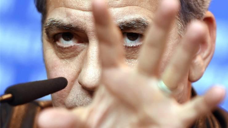 George Clooney ist an der Pressekonferenz an der Berlinale genervt: Kaum jemand stellt Fragen zu seinem Film.