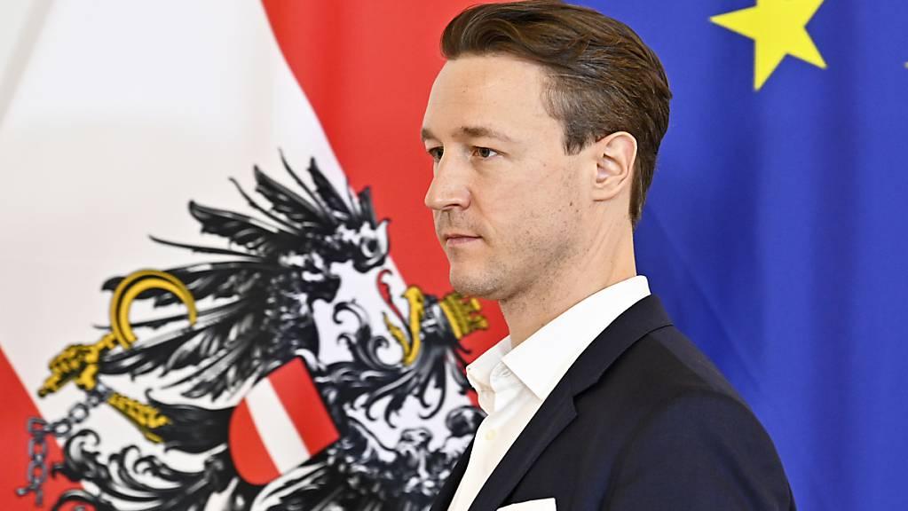 Gernot Blümel (ÖVP), Finanzminister von Österreich, nimmt an einem Regierungstreffen mit Wirtschaftsexperten im Bundeskanzleramt teil.