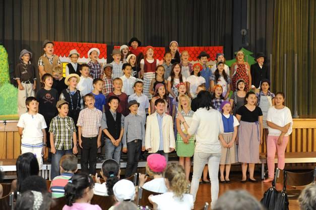 Dr Räuber Knatter Ratter; Musical von Markus Hottinger, aufgeführt von den 3. und 4. Klassen des Schulhauses Eichholz