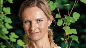 Lucia Engeli (38), Oberärztin am Kantonsspital, setzt sich für die Mitfinanzierung der Traglufthalle über der Badi in Suhr ein.