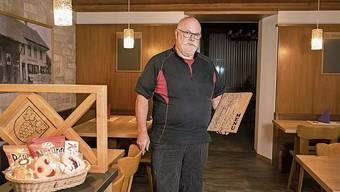 René Wassmer zeigt seine modernisierte Gaststube.
