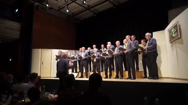 """Der Männerchor Engstringen singt """"Weinland"""" von Robert Pracht"""