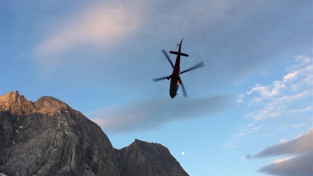 Alpinistin wird von Steinen getroffen und schwer verletzt