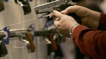 In den USA weit verbreitet: Waffenbesitz bei Privatpersonen (Archiv)
