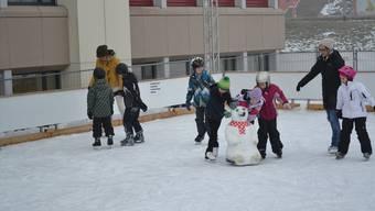Vor fünf Jahren stellten die Raiffeisenbank und der Turnverein Zufikon das letzte Mal ein Eisbahnprojekt auf die Beine.
