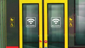 In den BLT-Trams können Passagiere gratis im Internet surfen.