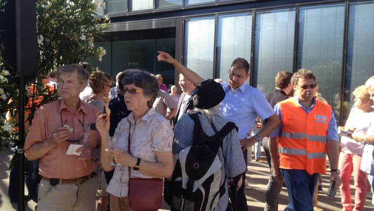 Andreas Büttiker im Gespräch mit Reinacher Bewohnern