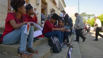 Unbegleitete minderjährige Asylsuchende, sogenannte UMA, bei einer Aktion vor dem Aargauer Grossratsgebäude im vergangenen Juni.