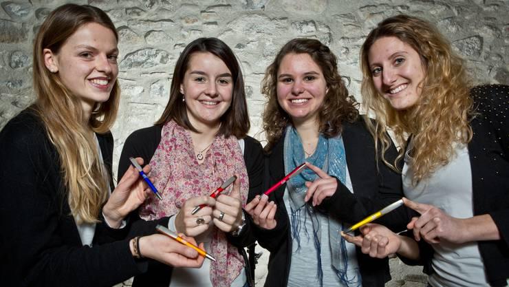 Die vier Kantischülerinnen Corina Rainer, Jeannine Beck, Marina Husistein und Maria Grab (v.l.) mit ihren «Fylos». Chris Iseli