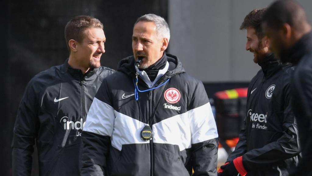 Adi Hütter und sein Team wieder im Training