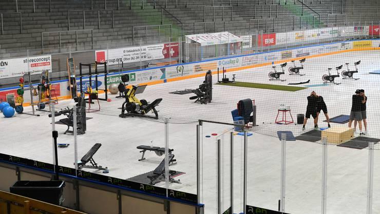 Das Kleinholz in ein Fitnesscenter verwandelt: So  bereitet sich der EHC Olten auf die Saison vor
