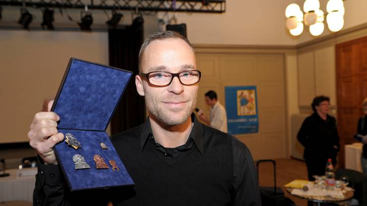 Blaggedde-Künstler Pascal Kottmann hat den Plaketten-Wettbewerb bereits zum dritten Mal gewonnen. Martin Töngi