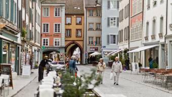 Stehen im Aarauer Stadtzentrum bald die meisten Läden leer? (Archiv)