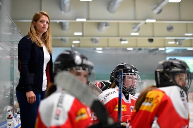 Florence Schelling in ihrer Funktion als U18-Nationaltrainerin.