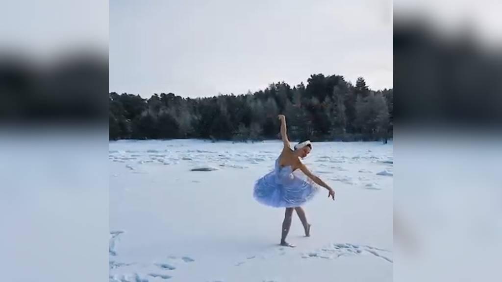 Aus Protest: Ballerina tanzt Schwanensee in Eis und Schnee