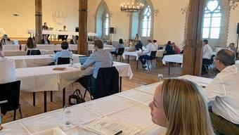 Der Einwohnerrat tagte erstmals im grossen Rittersaal auf Schloss Lenzburg.