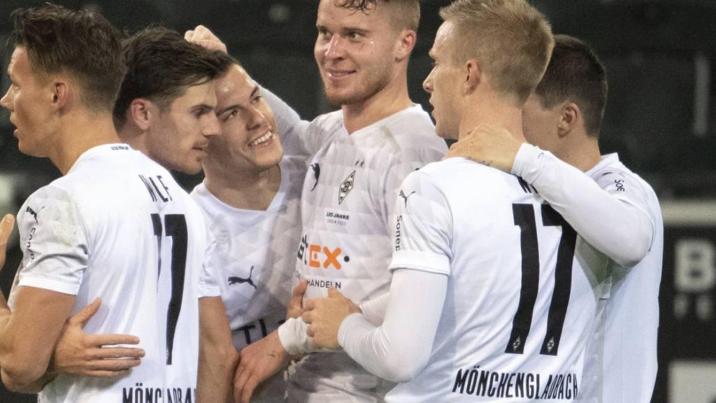 Elvedi köpft Gladbach zum Sieg gegen Bremen