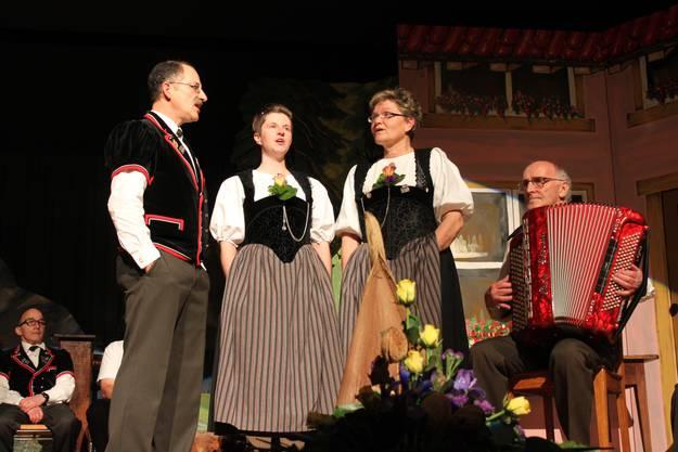 Terzett mit Urs Allemann, Kathrin Henkel und Alexandra Lüthi sowie Res Fankhauser an der Handorgel