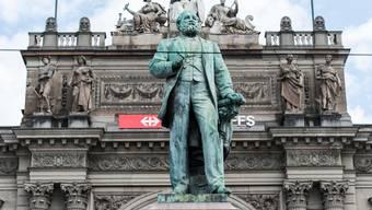Alfred-Escher-Denkmal in Zürich: Auch die Stadt investierte in den Sklavenhandel.