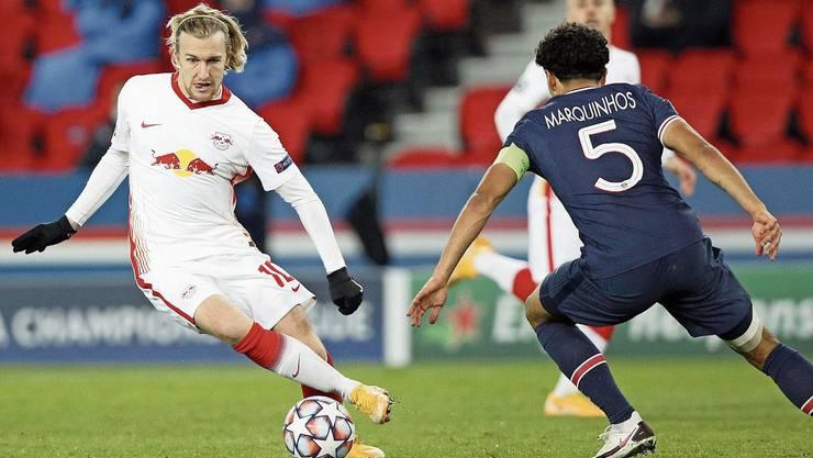 Emil Forsberg (l.) und sein RB Leipzig kämpfen gegen das frühe Aus an.