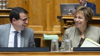 Valérie Piller Carrard (SP/FR) und Matthias Jauslin (FDP/AG) in der Debatte über das Datenschutzgesetz im Nationalrat.