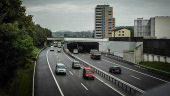 Die Autobahn A1 bei Lenzburg. (Symbolbild)