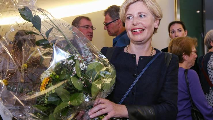 Blumen für die neugewählte Esther Friedli. (Bild: KEY)