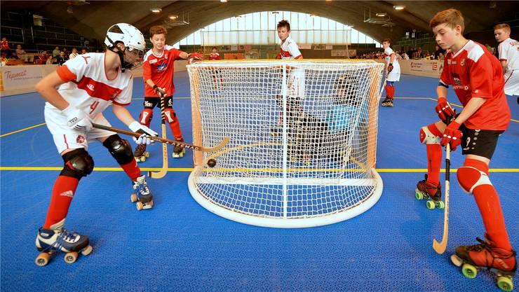Von Junioren bis Nationalliga A gastieren am Wochenende die besten Schweizer Rollhockey-Teams im CIS.