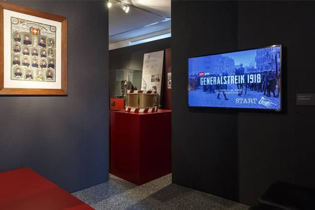 Ausstellung zum Generalstreik 1918 in Grenchen: Hier wird ein SRF-Dok-Film über den Generalstreik gezeigt.
