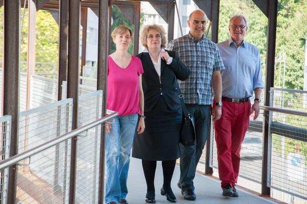 Vier vom Vorstand des Fördervereins (v.l. Franziska Perini, Franziska Krähenmann, Roland Wyss, Präsident, Michel Bischof, nicht auf dem Bild Susy Frey).