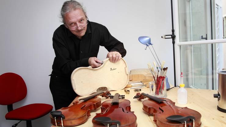 Kuno Schaubs eigentliches Metier ist der Geigenbau.