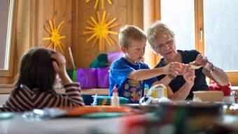 Viele betroffene Tagesmütter weigerten sich, den Vertrag mit den geplanten Lohnkürzungen zu unterzeichnen. (Archivbild)