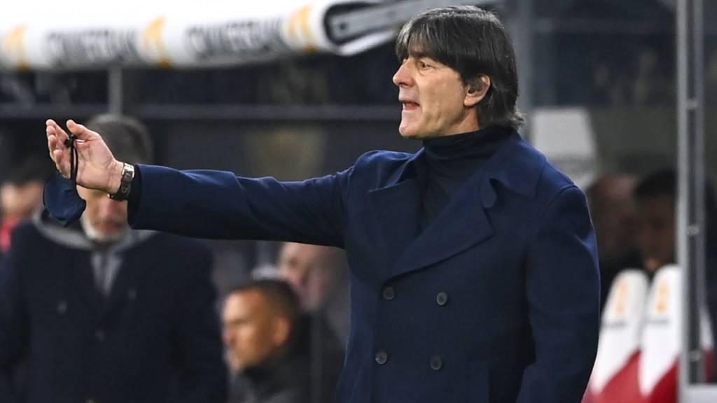 Bundestrainer Joachim Löw im Amt bestätigt