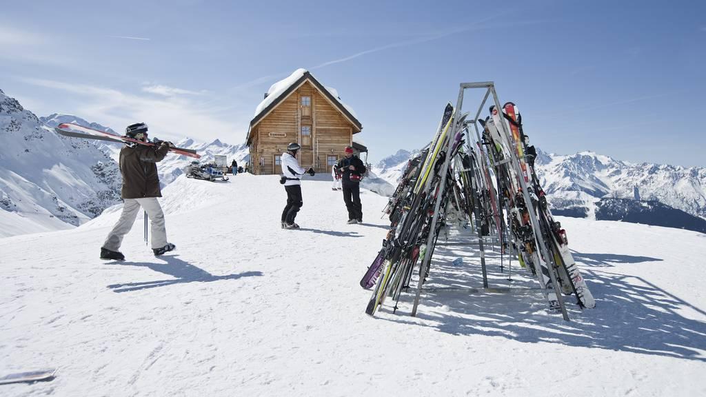 Hier ein paar Tipps, damit deine Skier nicht geklaut werden