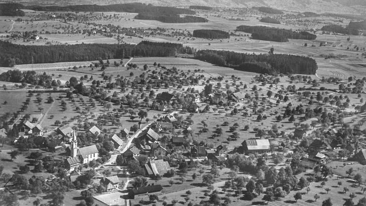 Im Oktober 1961 hat ein unbekannter Absender eine Karte an die Familie Bürgi in Rombach geschickt und von Abtwil geschwärmt «Wenn ich heimkomme, bin ich sicher viel schwerer. Hier gibt es fünfmal am Tag zu essen.»