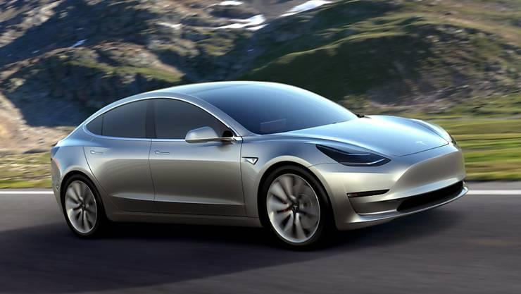 Der Tesla-Konzern kommt bei seiner Model-3-Serie langsam auf Touren. (Archivbild)