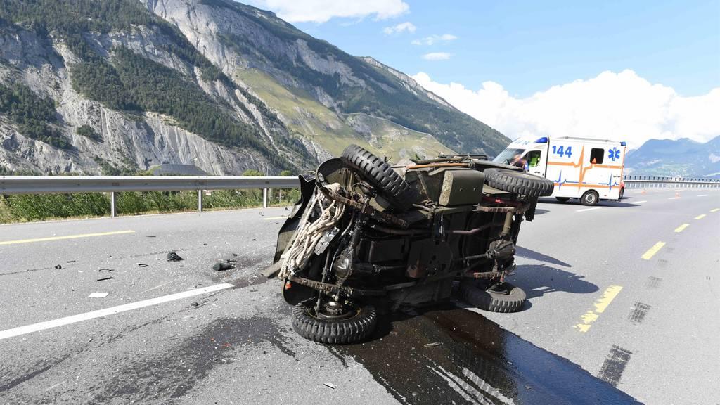 59-jähriger Töfffahrer stirbt bei Frontalcrash mit Oldtimer-Jeep